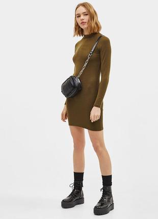 Платье демисезон футляр водолазка хаки хаки качeство новое