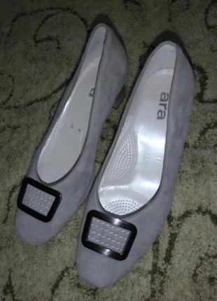 Замшевые туфли на небольшом каблуке ara