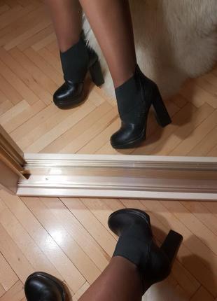 Натуральная кожа, удобная колодка, широкий каблук 38 размер