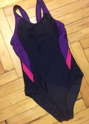 Спортивный женский купальник для бассейна черный