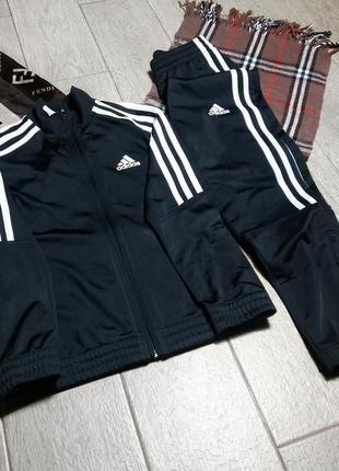 Новый оригинал adidas спортивный костюм