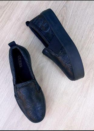 Слипоны/туфли guess на платформе