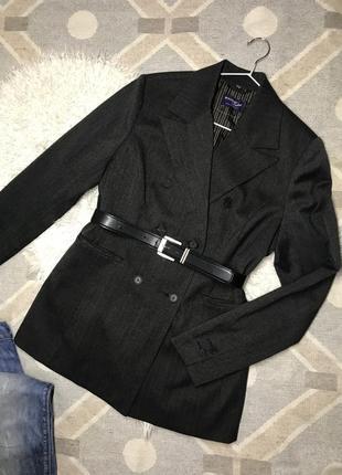 Двубортный удлиненный пиджак в мужском стиле пиджак в полоску