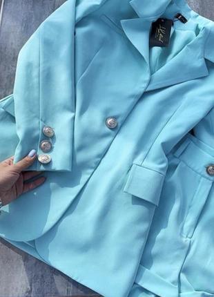 Мятный костюм с шортами