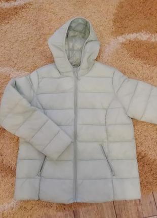 Куртка красивого мятного цвета