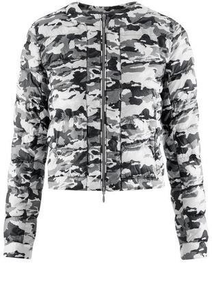 Женская серая камуфляжная стеганая куртка