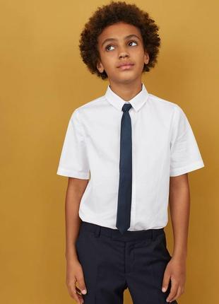 Белая тенниска и галстук мальчику 9/10 лет h&m