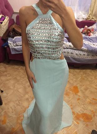 Лазурное платье в пол со шлейфом с камнями сваровски с открытой спиной