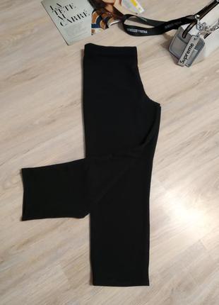 Отличные классические черные трикотажные брюки штаны бриджи