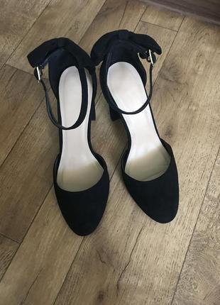 Шикарні туфельки від new look