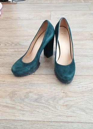 Замшевые туфли