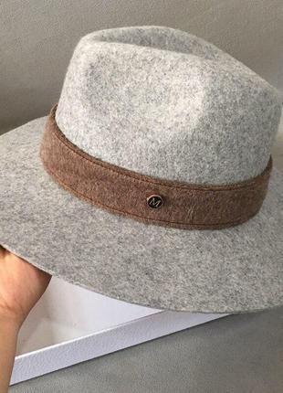 Красивая элегантная серая теплая шляпа м