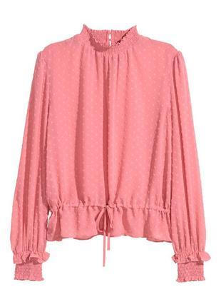 Красивая блузка из структурной ткани с воротником стойкой
