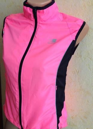 Легкая спортивная жилетка-8 размер