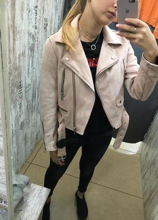 Косуха новая с ремнём zara куртка бархатная