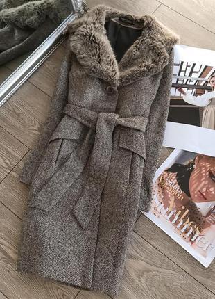 Осеннее твидовое пальто