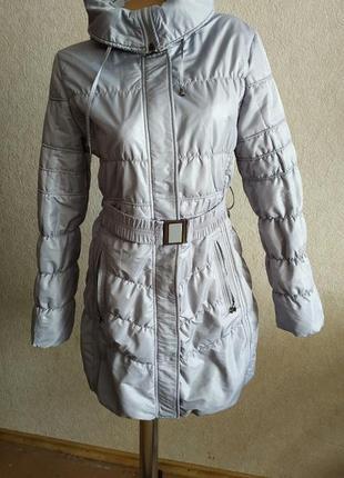 Куртка деми удлиненная серая с капюшоном размер 46