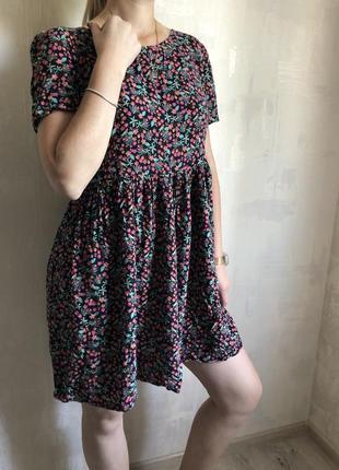Свободное легкое платье в цветочек