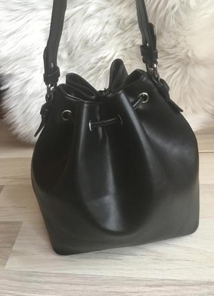 Крутейшая сумка-мешок с короткой ручкой хобо4 фото