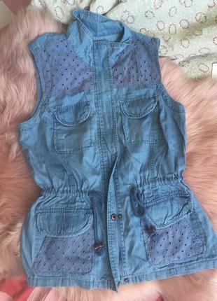 Джинсовая рубашка-жилетка