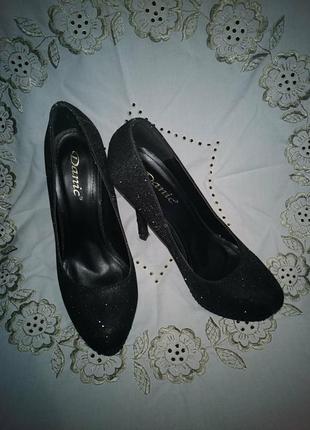 Туфли с камушками danic