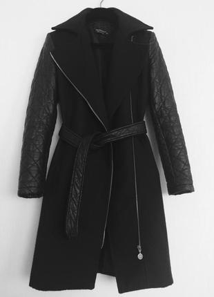 Демисезонное пальто косуха с кожаными рукавами итальянского бренда rinascomento