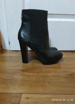 Новые ботинки с зеркальным каблуком,батильони демисезонные