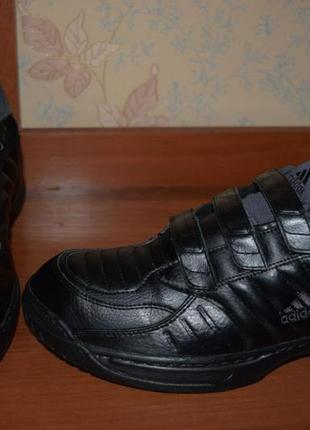 Шикарные кожаные кроссовки на липучках
