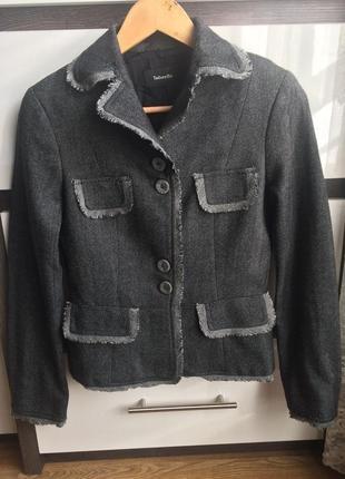 Распродажа!!! шерстяной приталенный пиджак! торг 99 грн