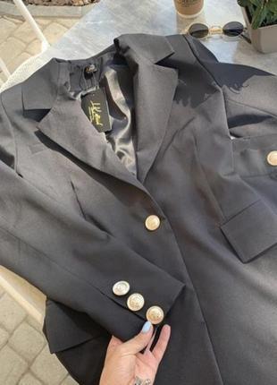Пиджак с шортами в чёрном цвете