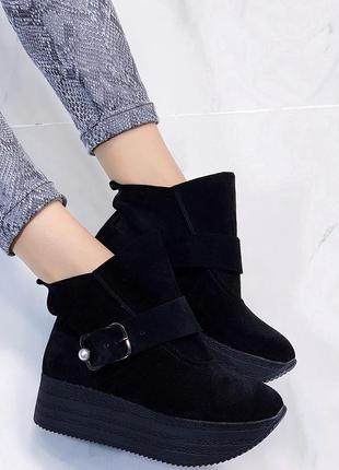 Новые женские осенние черные замшевые ботинки