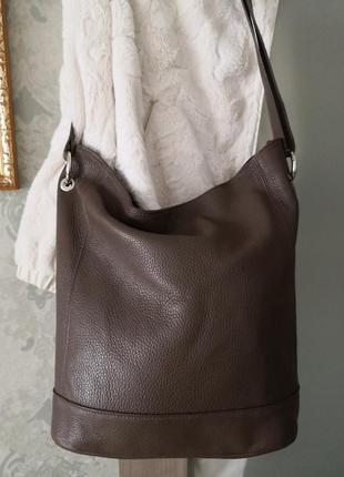 Шикарная большая кожаная сумка.