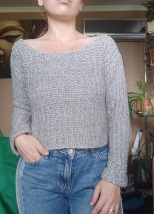 Крутой укороченный свитер