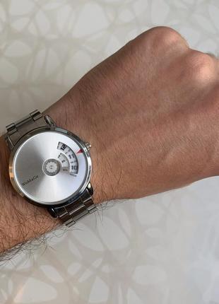 Мужские металлические наручные часы womage