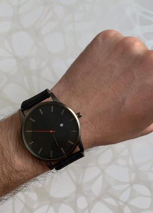 Мужские наручные часы с датой кожзам чёрные с чёрным