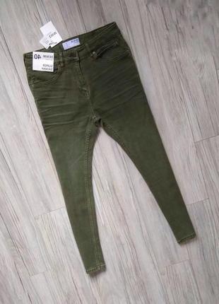 Новые с бирками мужские джинсы super skinny  31р размер хаки болотного цвета .