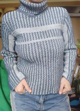 Удобный свитер