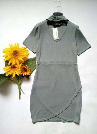 Трикотажное платье с чокером 12