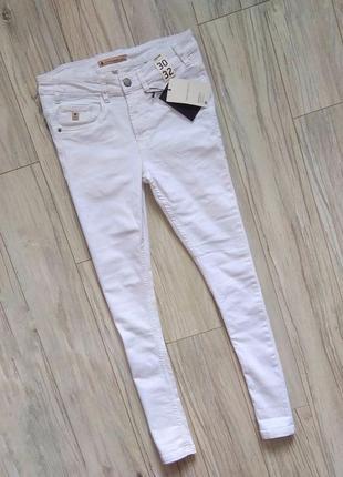 Новые с бирками мужские джинсы  30/32 (белого цвета)skinny