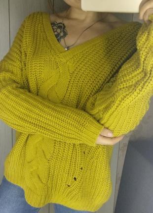 Объемный теплый горчичный свитер