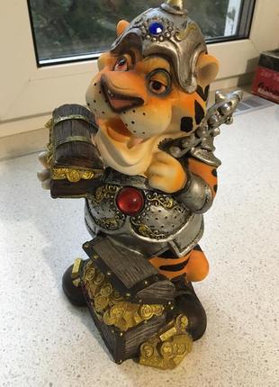 Копилка тигр рыцарь фен-шуй