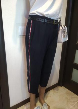 Бриджи капри штаны брюки шорты прямого покроя с лампасами укороченные