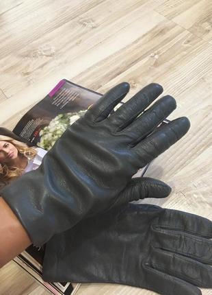 Женские кожаные перчатки размер s