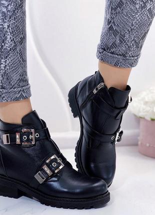 Новые женские зимние кожаные черные ботинки