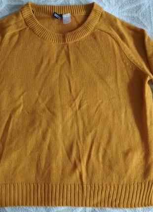 Горчичный свитер