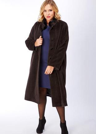 Шоколадное шерстяное демисезонное пальто с меховым воротником windsmoor румыния кашемир