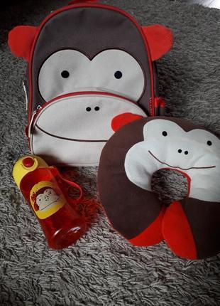 Комплект набор skip hop рюкзак подушка поильник спортивный обезьяна