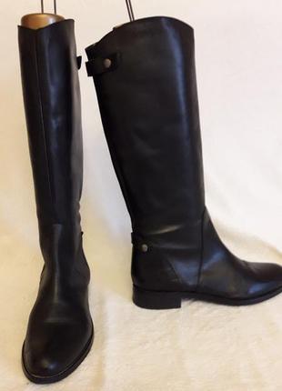 Шикарные кожаные сапоги фирмы bata vera pelle