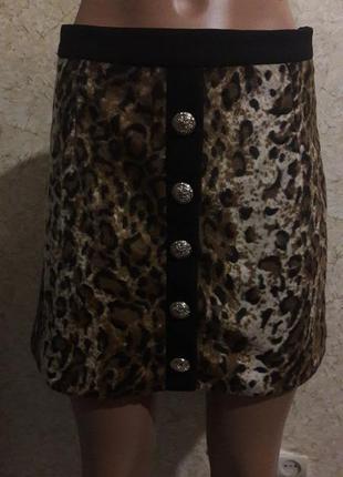 Мини-юбка с принтом леопард из меха вельбо