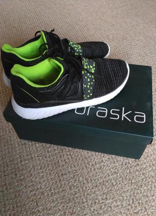 Стильные качественные кроссовки от braska